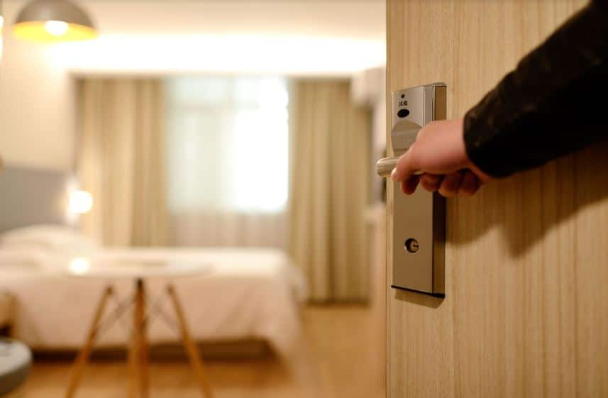 How To Check For Bed Bugs in a Hotel Room